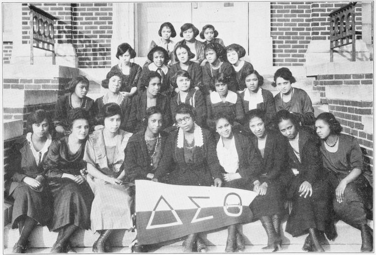 Delta_Sigma_Theta_Chapter_at_Wilberforce_University_in_1922