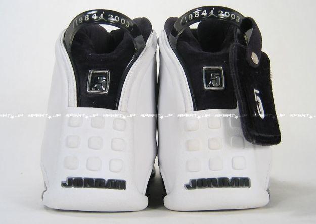 air-jordan-185-xviii5-original-og-white-black-chrome-08