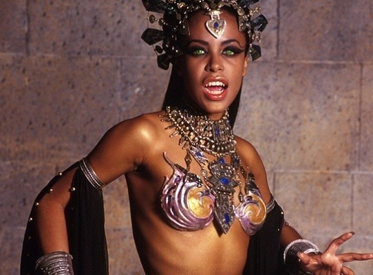 halloween black ladies costumes akasha_aaliya_queen_of_the_damned - List Of Halloween Costumes Ideas