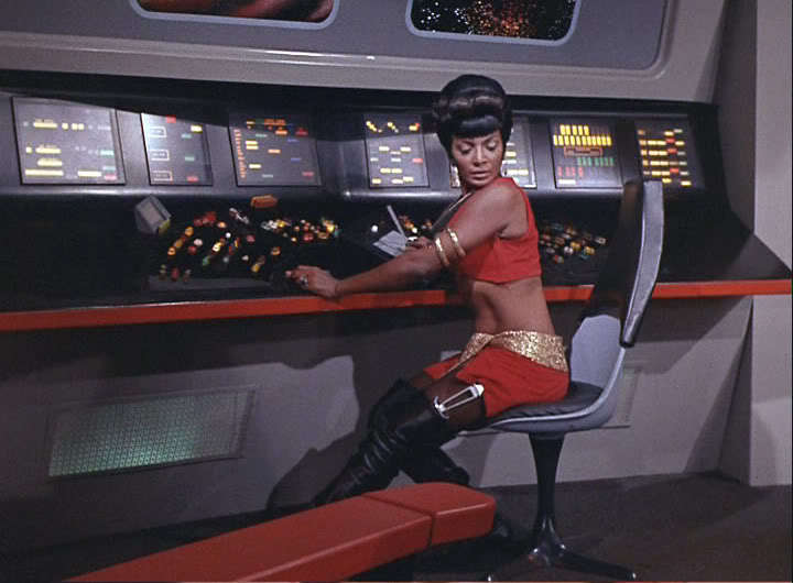 uhura in mirror mirror star trek women 8068858 - Uhura Halloween Costume